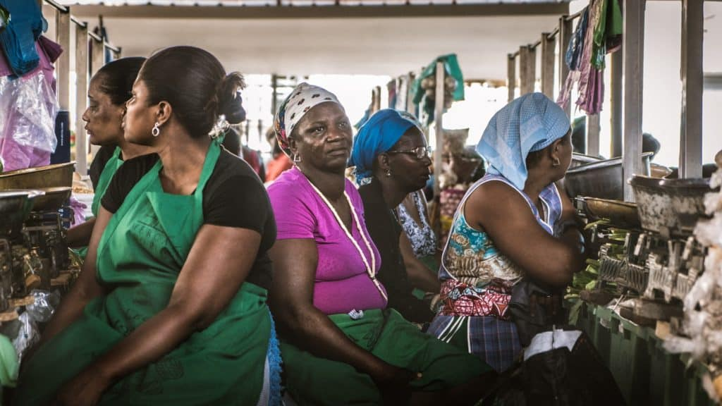 women at market cape verde