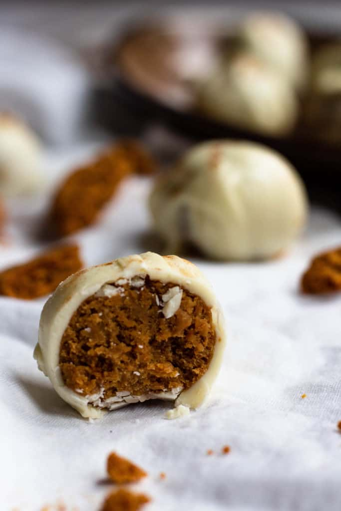 close up of white chocolate gingerbread truffles