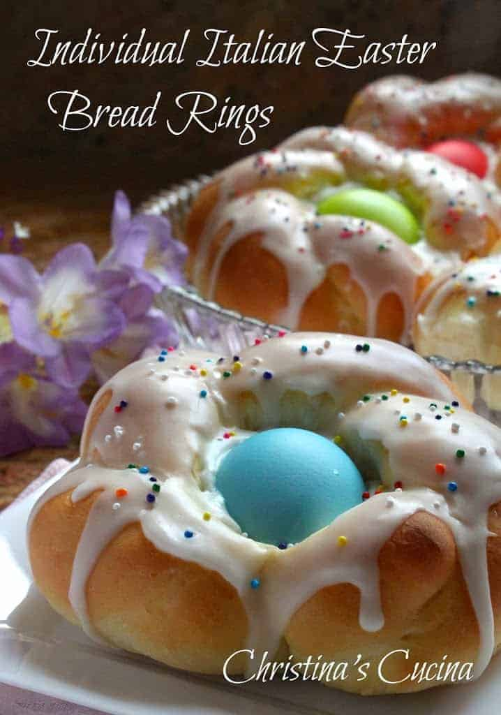Choreg: Easter bread with a bowl of eggs