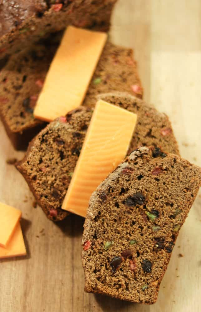 Spiced bread with dried fruit and cheese