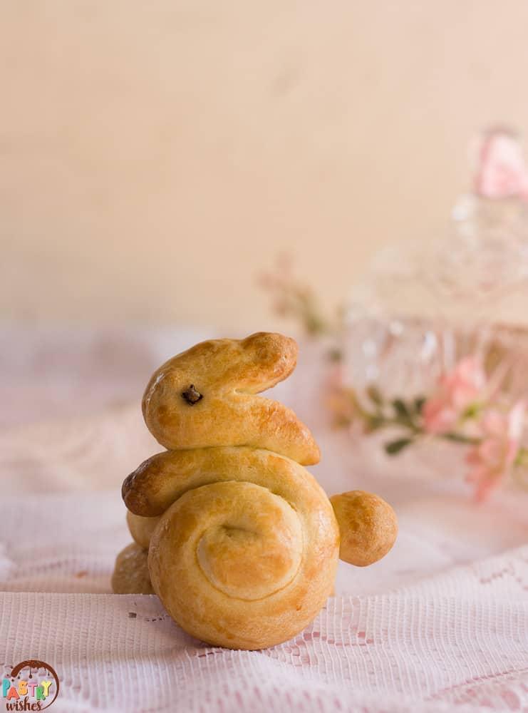 Koulourakia in the shape of a bunny