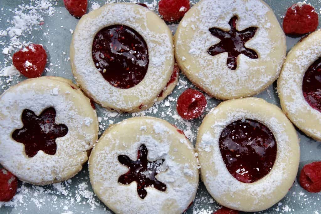 shortbread cookies with jam and raspberries