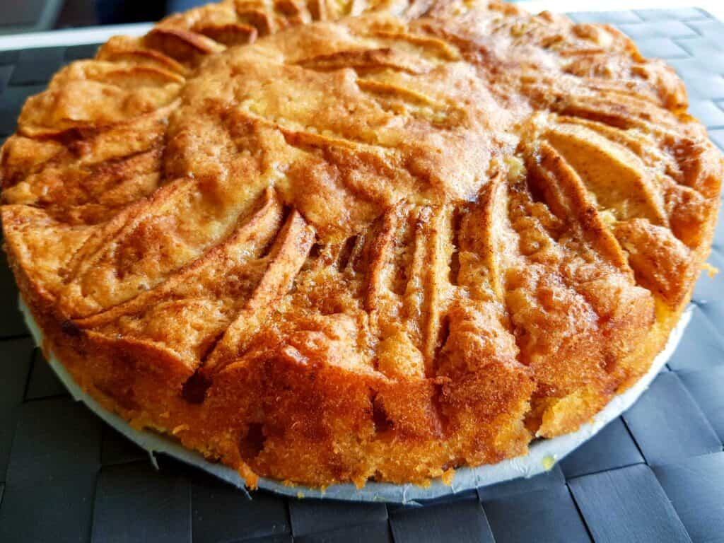 Norwegian food: Apple cake