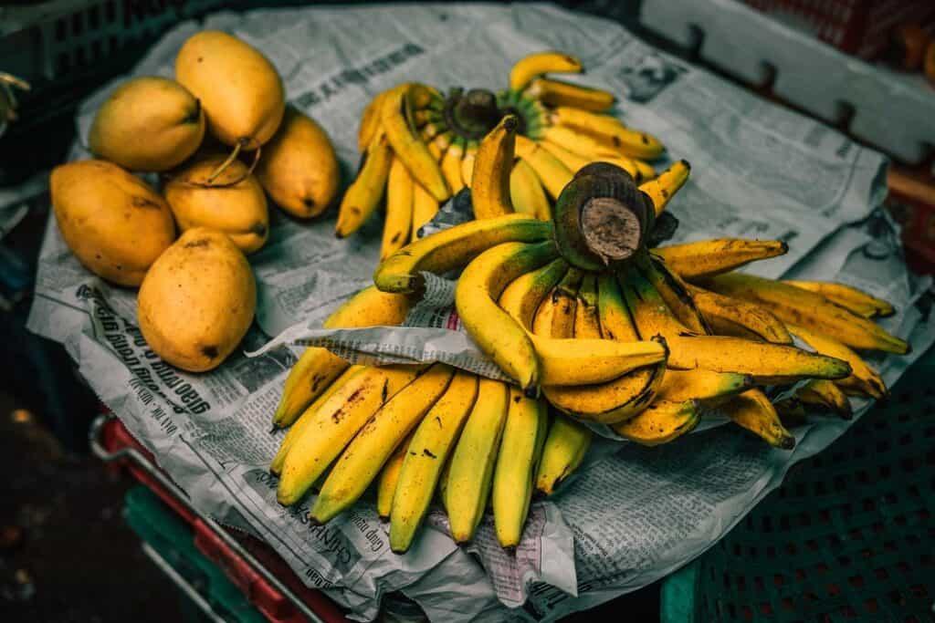 Vietnamese Food: Yellow fruits