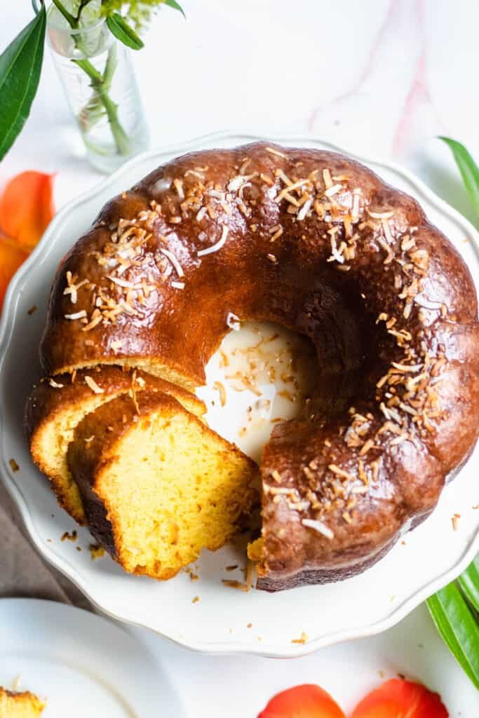 Jamaican Food: Rum Cake from the Caribbean