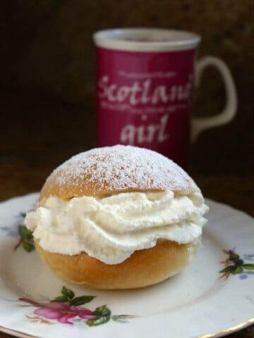 Scottish Cream bun with tea