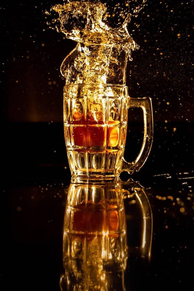 Splashing beer stein