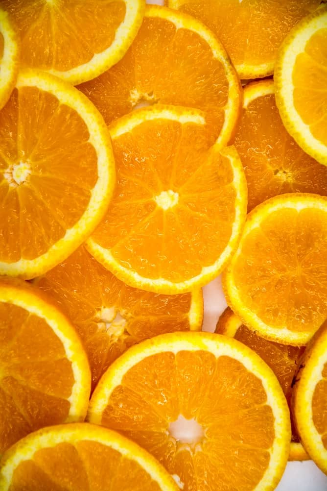 Overlapping slices of oranges