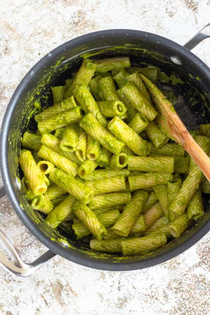 pot with rigatoni and pistachio pesto